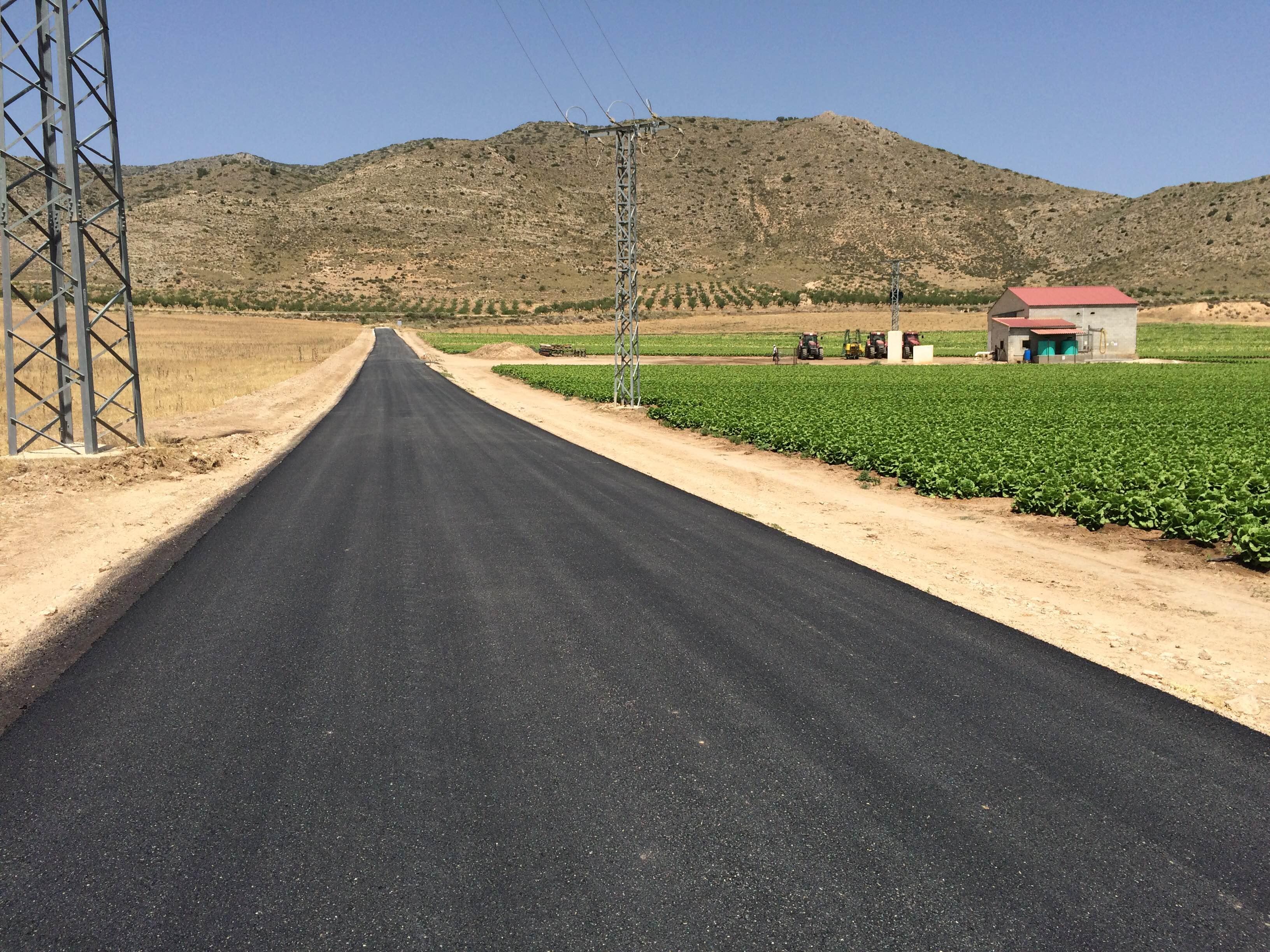 """""""Las Casas de Don Juan"""" ya tiene su camino asfaltado."""