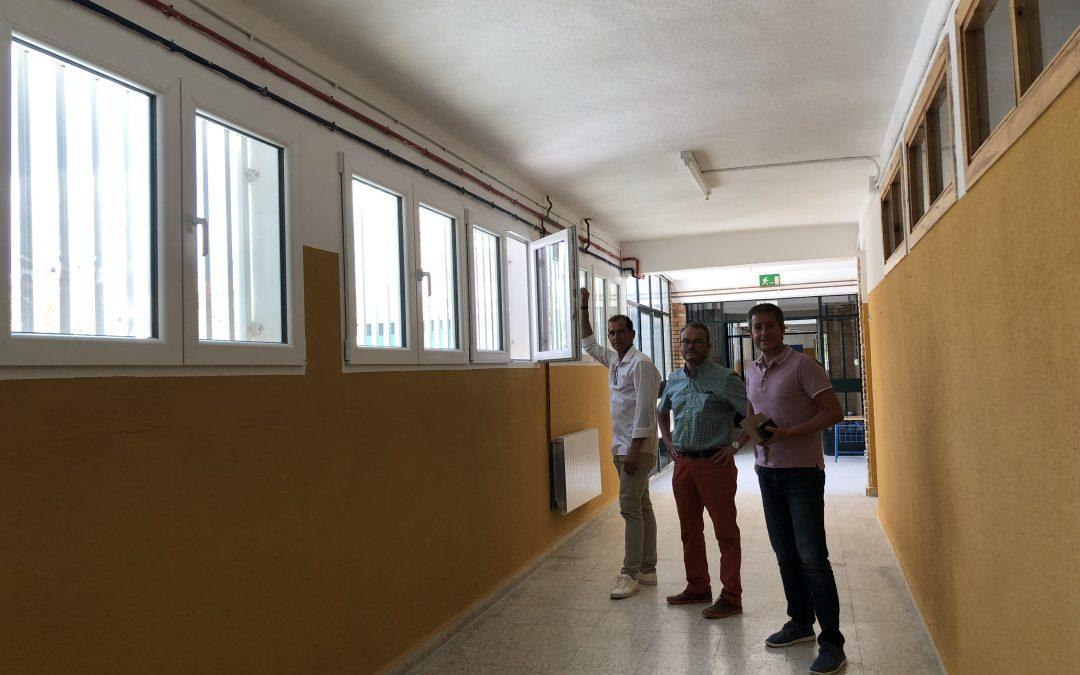 """El Ayuntamiento de La Puebla mejora el Colegio """"Ramón y Cajal"""""""